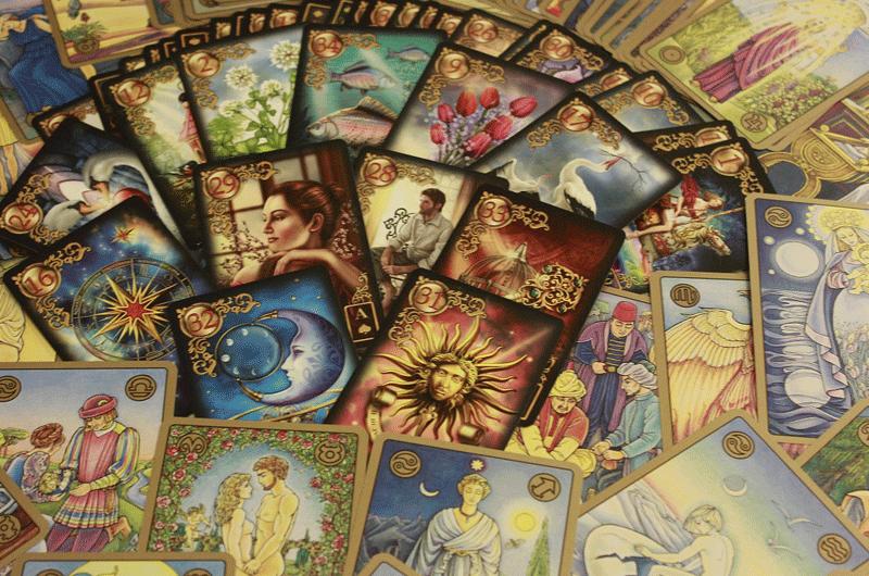 Auttajat - Tarotkortit